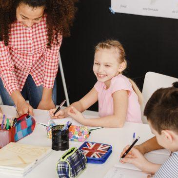 Dlaczego naukę języka angielskiego warto zacząć od najmłodszych lat?